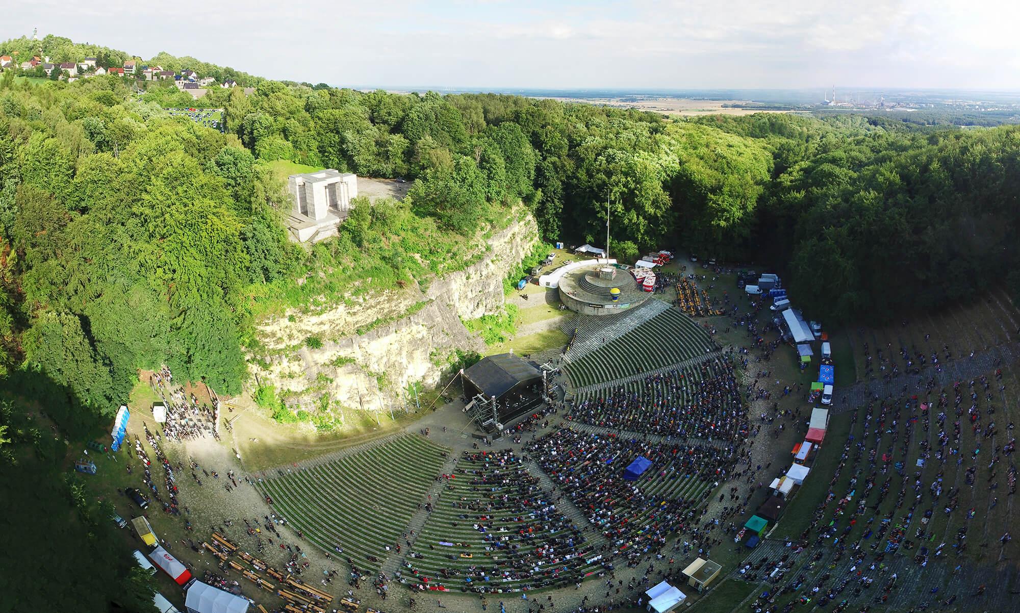 Rock festival na górze św annyy z drona